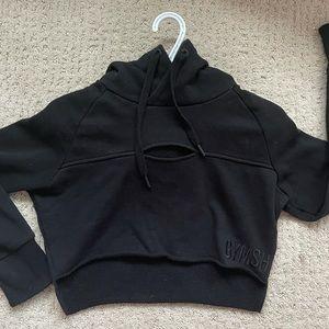 Gymshark cropped hoodie-black
